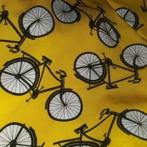 Adorable bicycle skirt with pockets